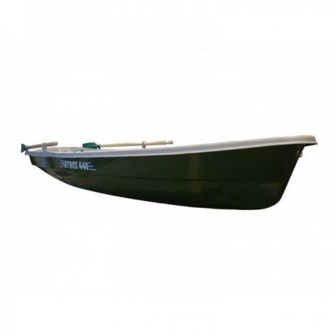 Latrex 440 csónak